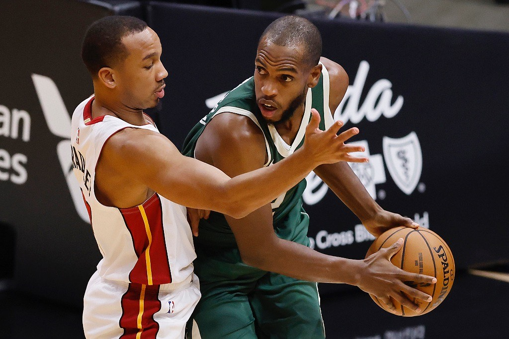 NBA常规赛继续进行,雄鹿背靠背再战热火