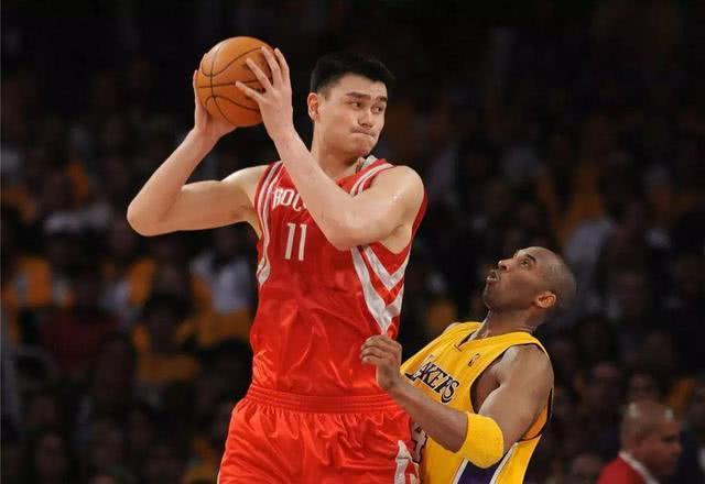 河升镇能跟姚明比?两人在NBA交手4次