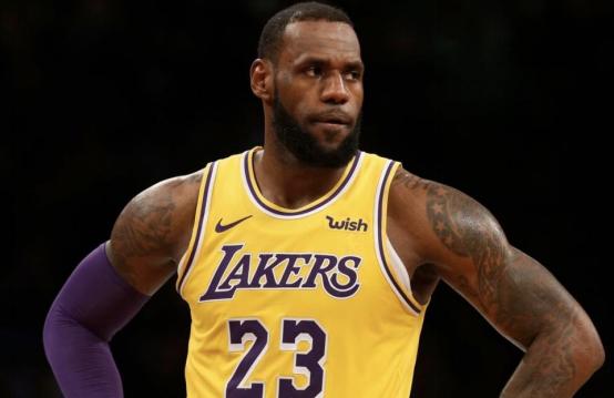 NBA球星簽終身代言合同有多難?至今只要5人做到,簽他最吃虧