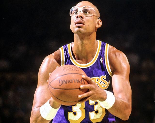 美媒评NBA历史上最巨大中锋等级,贾巴尔独占榜首,姚明第五等级