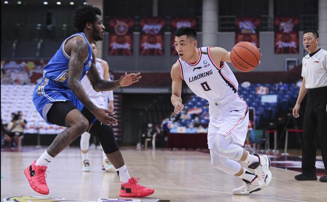 辽宁大赢江苏25分,赛后马丁却特别表扬一位得3分的后卫