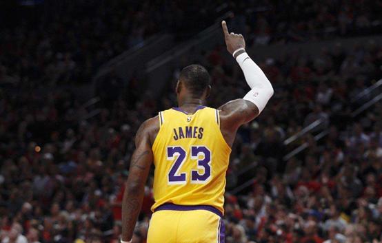 詹姆斯完全无缘MVP,夺冠超同期詹姆斯,接班人真来了