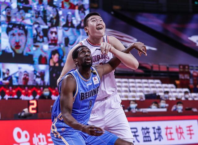 林书豪18+8尤度25分 北京大胜豪取八连胜!