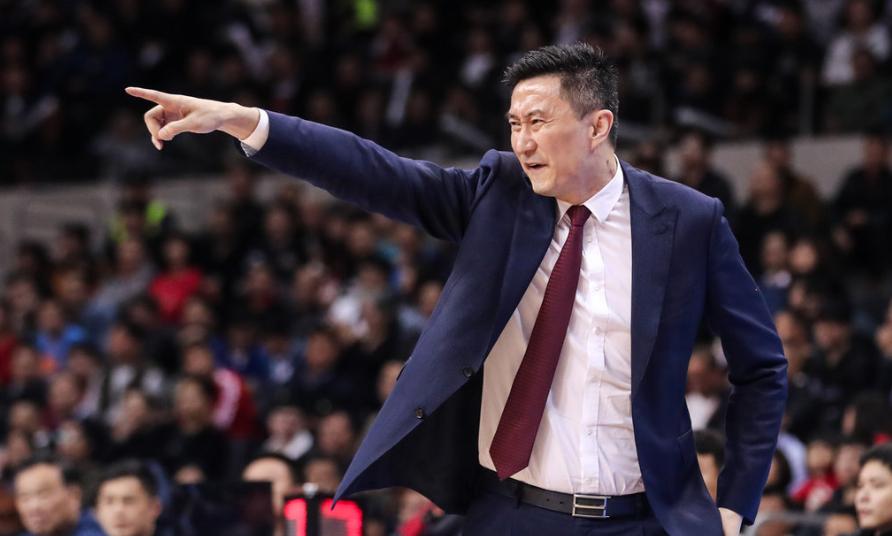 在CBA复赛第二阶段一场竞赛中,广东男篮将与浙江男篮交锋