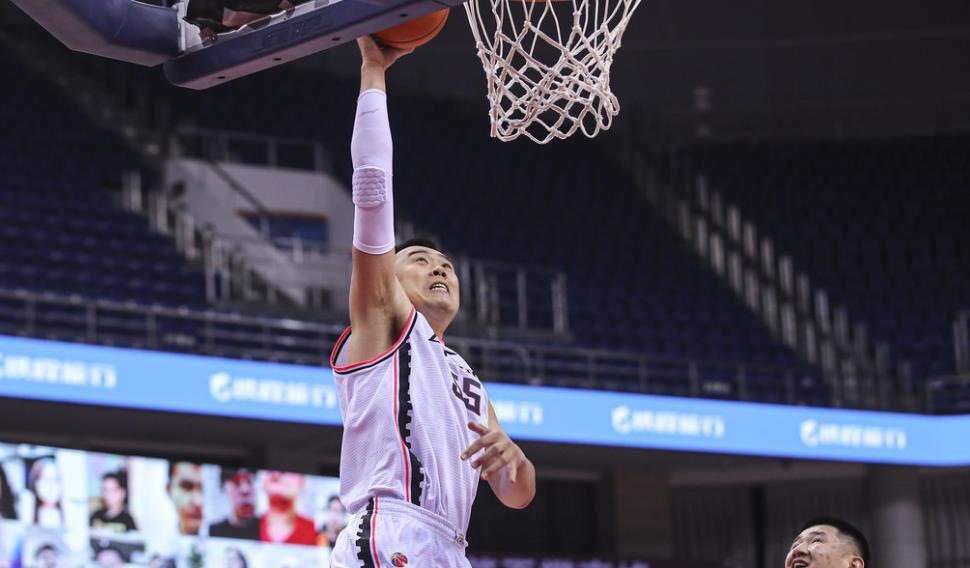 三场合砍87+41,韩德君迎来大迸发,他才是辽宁男篮中心 