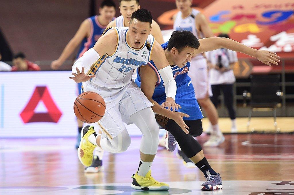 北京队持续坐稳联赛第3的排名。这场比赛,北京队外援林书豪轮休  