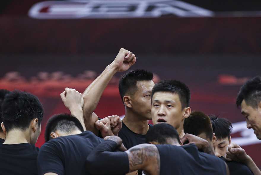 季后赛12强出炉CBA还看什么:各队为避广东打开暗战 第4竟成烫手山芋 