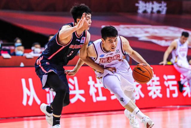 中国篮球便是被你们吹掉了!浙江司理怒斥裁判,广东胜之不武吗? 