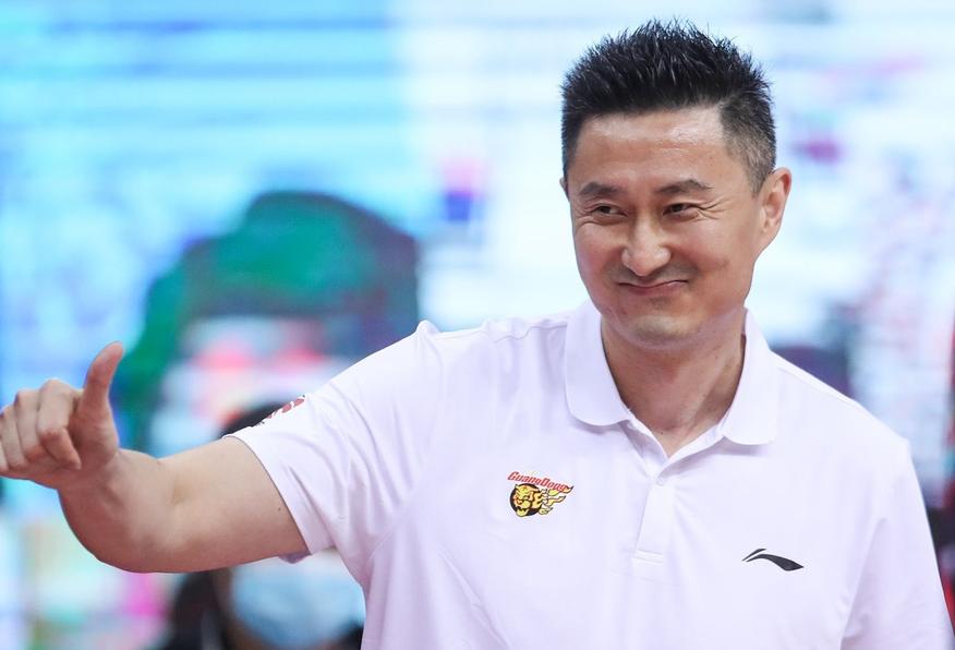 广东男篮费尽心思用包机接回国的马尚-布鲁克斯基本无缘参加剩下CBA的竞赛