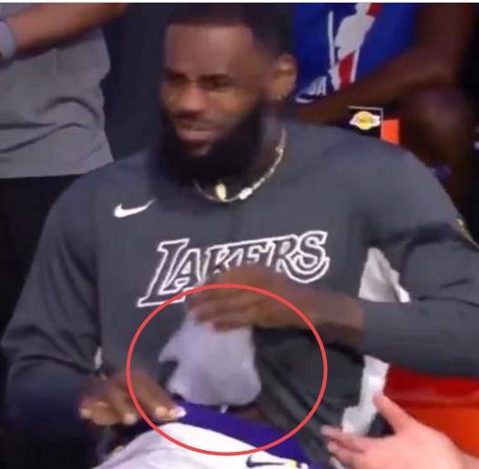 詹姆斯为何将冰袋放入裤裆?为了冠军
