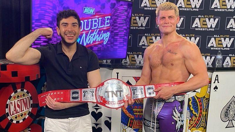 害?前WWE执行董事宣布加入AEW!这次AEW自讨苦吃?