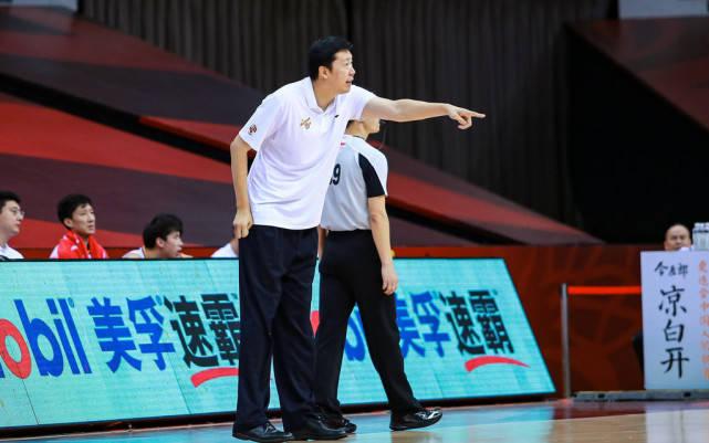 王治郅正式出山,担任国青教练,亲身教训小姚明,男篮有希望了   