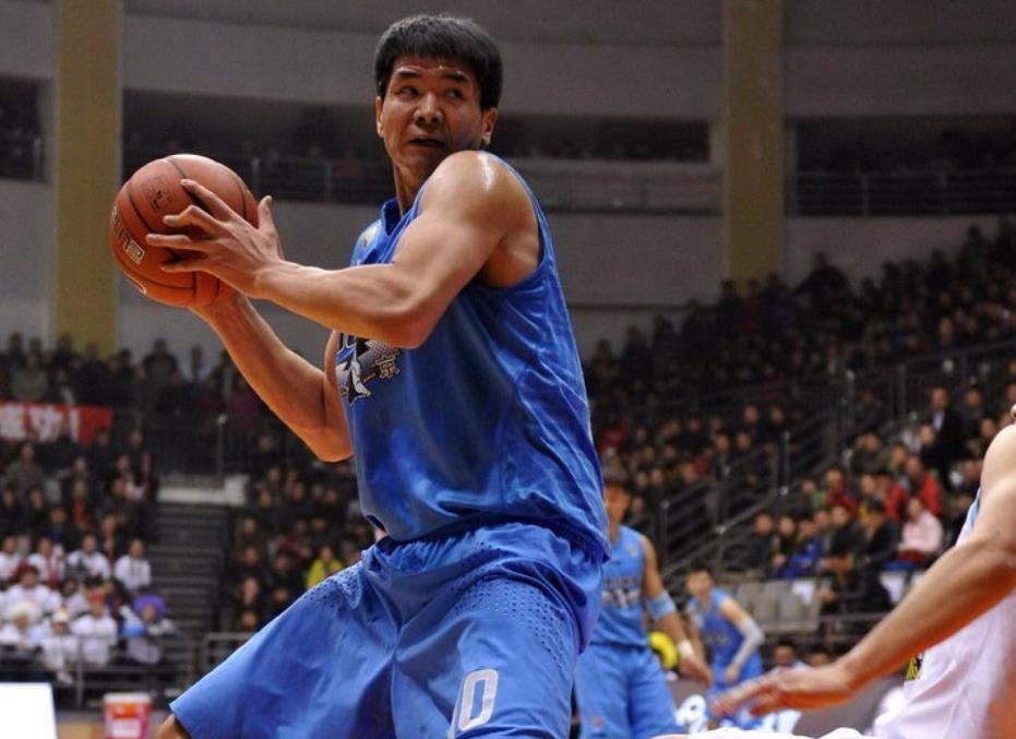 北京男篮传噩耗!旧日冠军天才30岁病逝,吉喆之后第二人! 