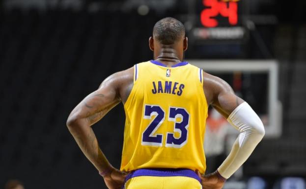 NBA西决预演崩盘了!湖人1节胜火箭21分,詹皇猖獗,火箭3主力0分