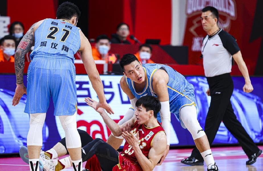 北京队又被罚篮绝杀!解立彬不在影响太大了