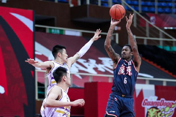 广东只打出了卫冕冠军的水准,单节就拿下了北京控10分