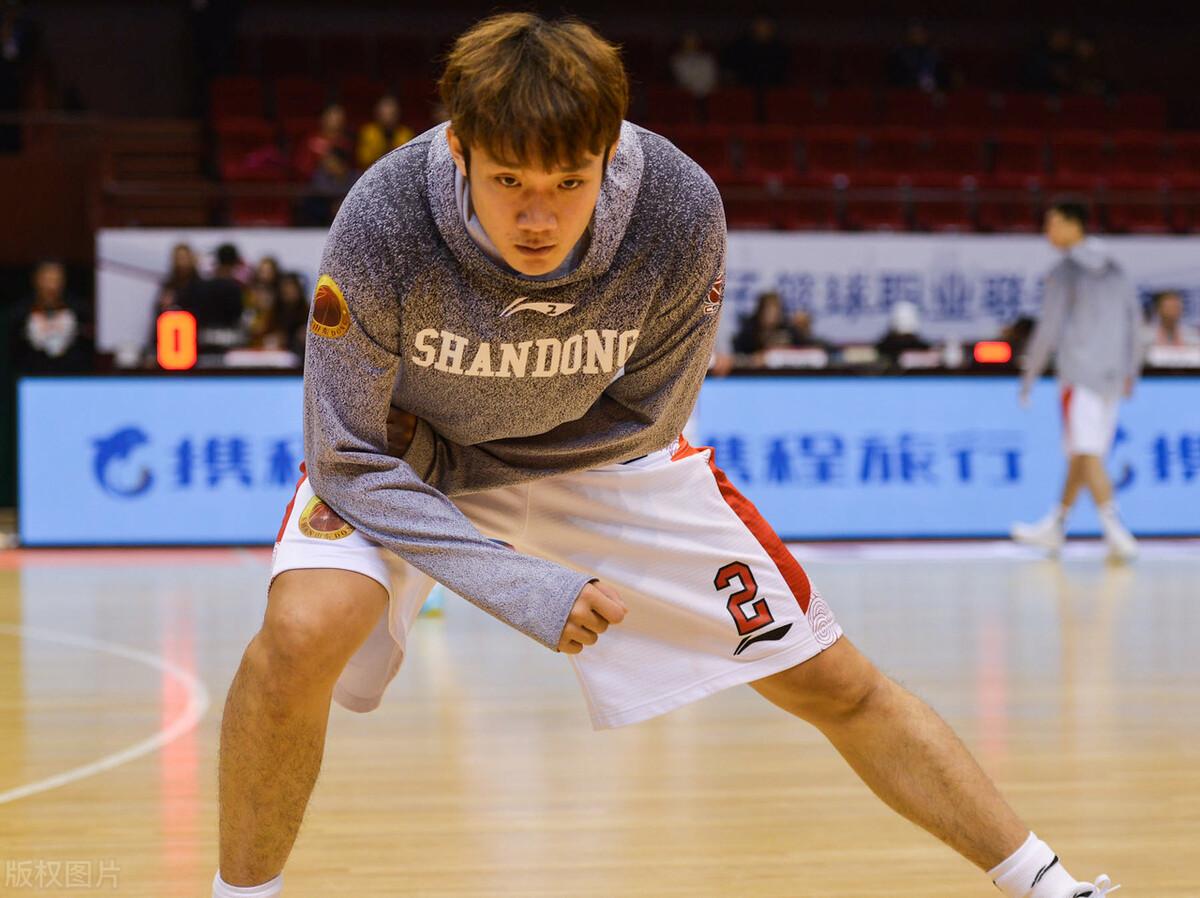 丁彦宇行在男篮生涯中经历了种种挫折