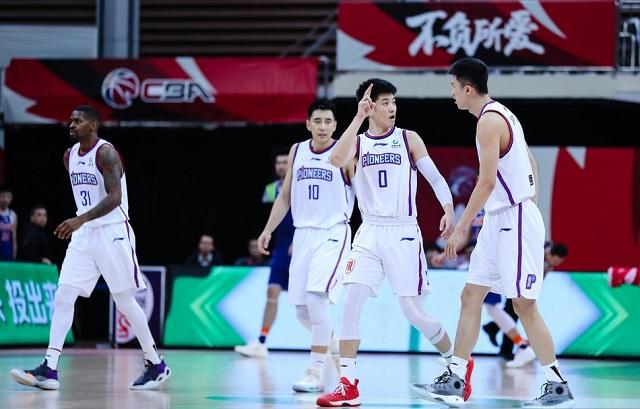 广东男篮大战CBA鱼腩球队,杜锋停赛,宏远或大胜40分天津