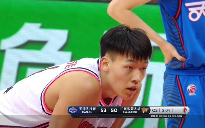 竞赛开端后广东队攻防状况一般,因此一度落后天津队  