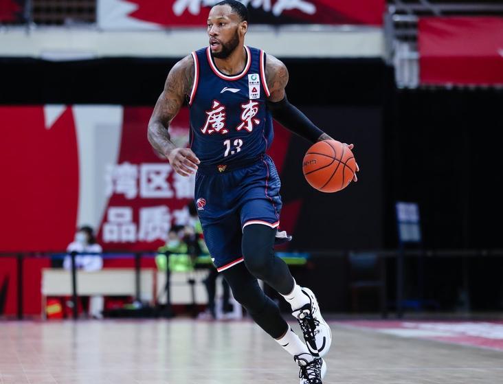 赛季过半,怎么看待辽宁和广东男篮的排名及夺冠前景 