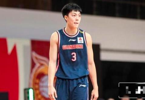 打头号大鱼腩只拿3分!杜锋还没骂醒中国男篮队长