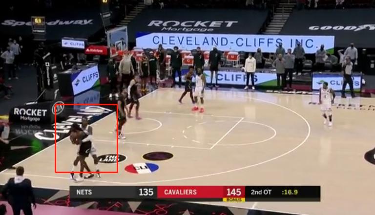 最终16秒,篮网落后10分,格林还在犯规,有谁注意到欧文的举动?