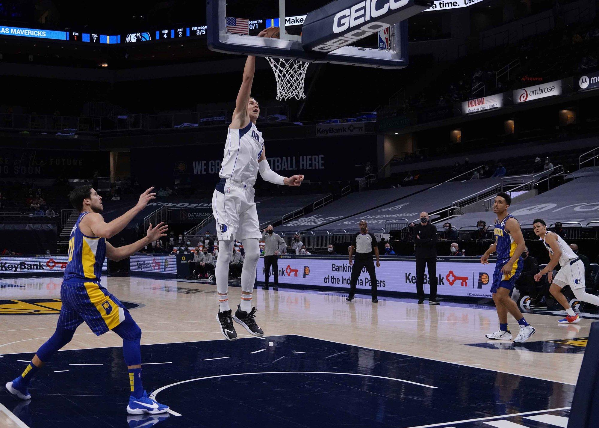 波尔津吉斯15投12中,高效拿下27分13篮板的两双
