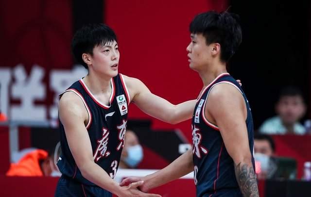 广东男篮遭亚洲榜首中锋率队冲击,宏远中午竞赛或再遭爆冷 