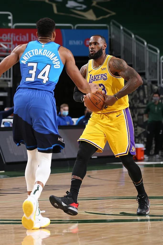 NBA新旧第一人之间的对决,落后第一节落后,半场反超抢先6分 