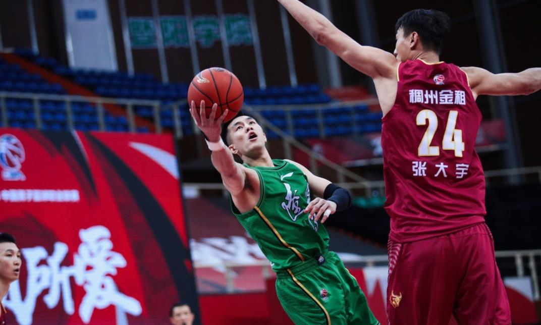 现在辽宁以29胜3负的战绩高居联赛第一,大有争夺总冠军之势