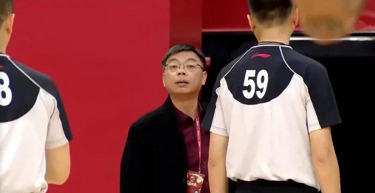 浙江男篮为啥犯规这么多?风格养成在平常,根子都在球队席 