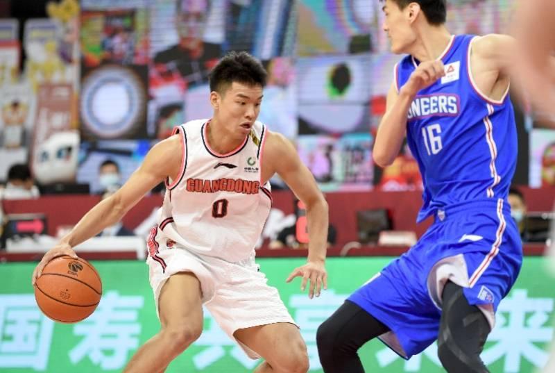 中国男篮潜力新星职业生涯成未知数!他才22岁啊