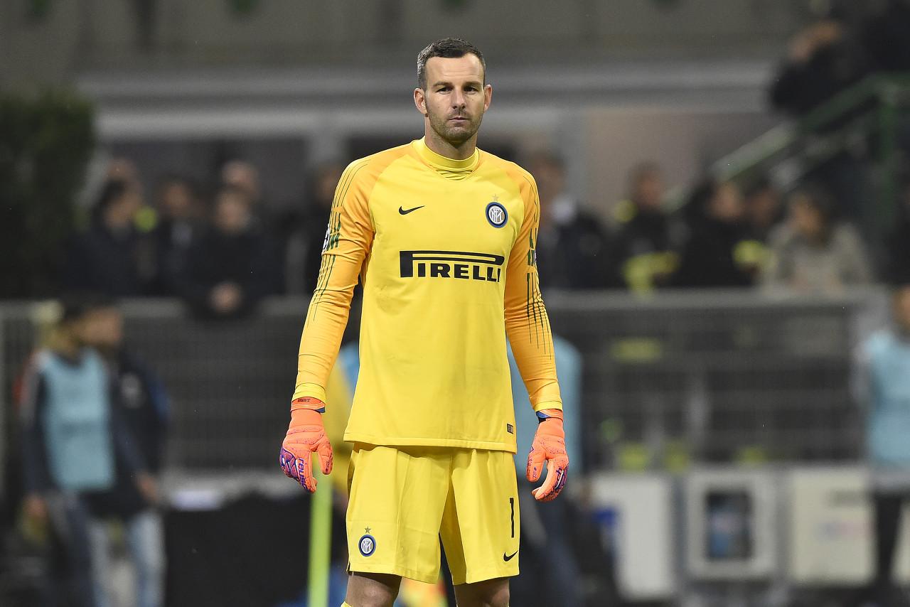 汉达诺维奇从乌迪内斯加盟国际米兰,并成为了球队中最安稳的一环