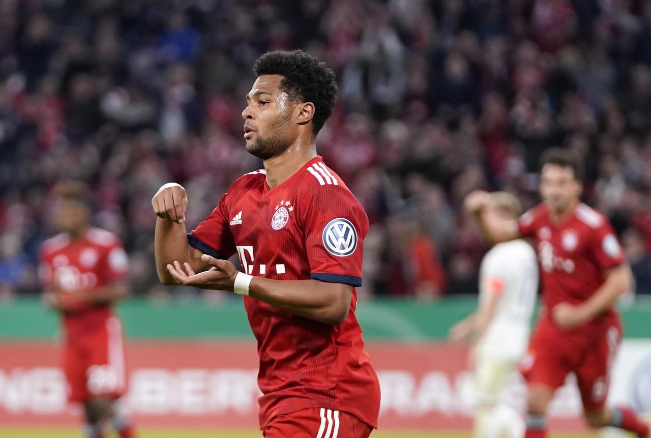 拜仁接连10场欧冠竞赛打进至少2球,仅次于16-17赛季皇马