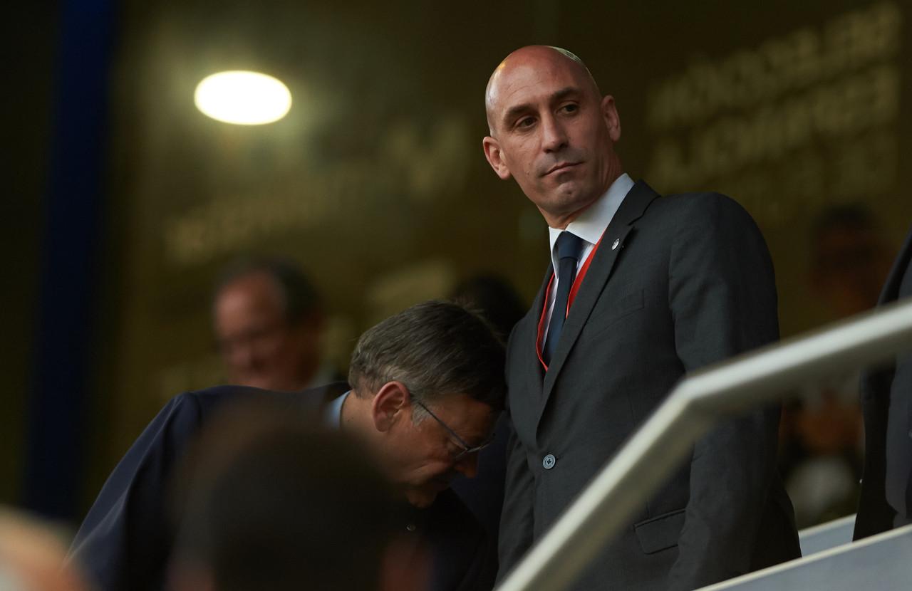 西足协主席:欧冠可能采取西超杯赛制踢完剩下赛程