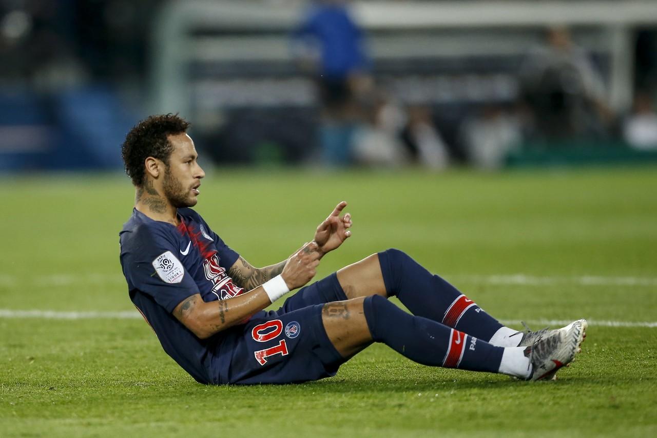 巴黎助教:内马尔的脚很灵敏,所以被犯规后他