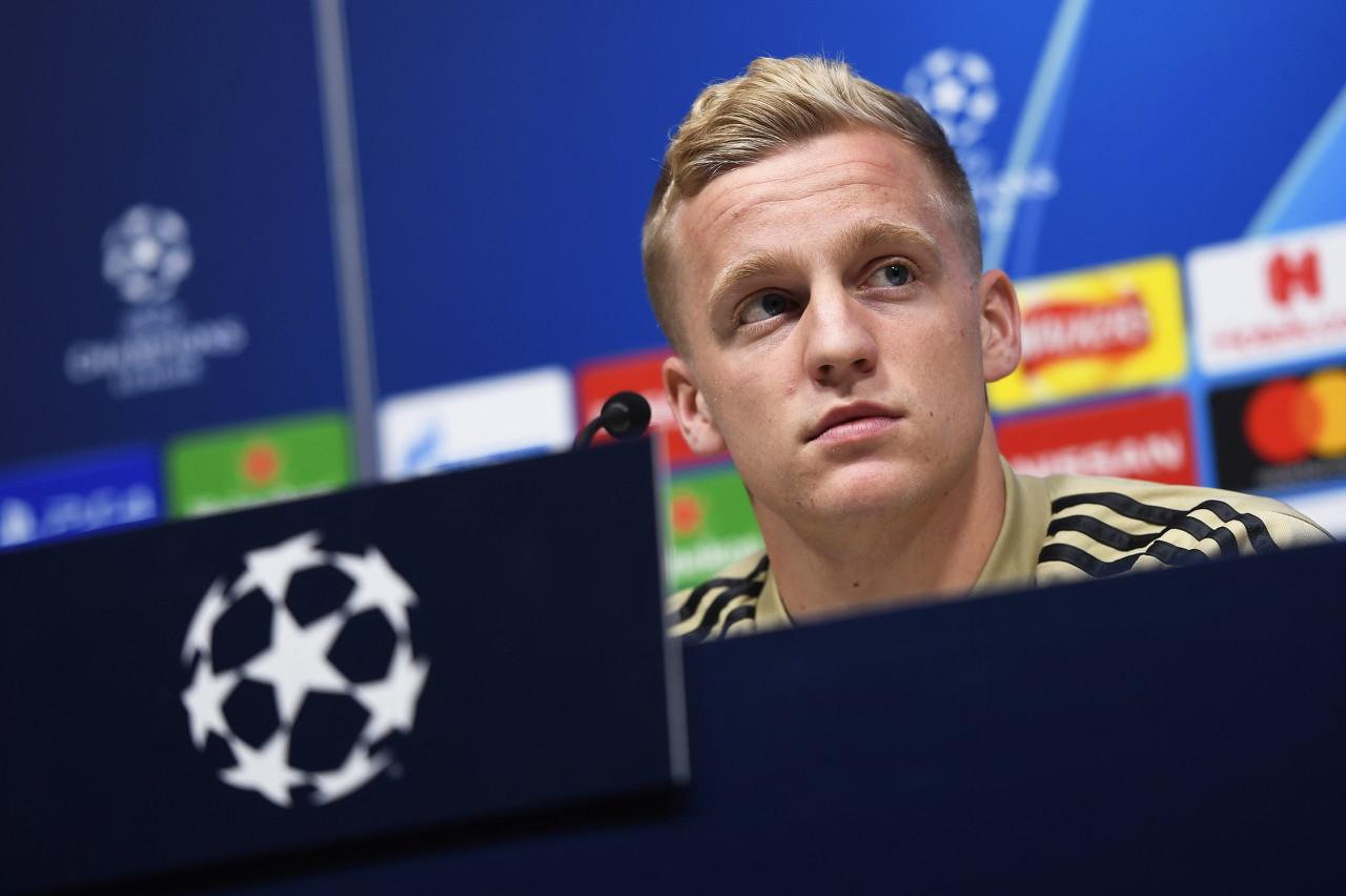 荷媒:范德贝克挨近加盟曼联,转会费在5500万欧左右