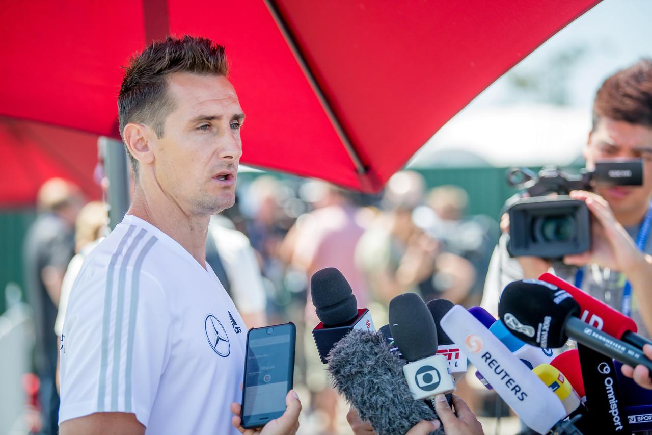 记者:克洛泽有望升入拜仁一队任教,但尚未最终敲定
