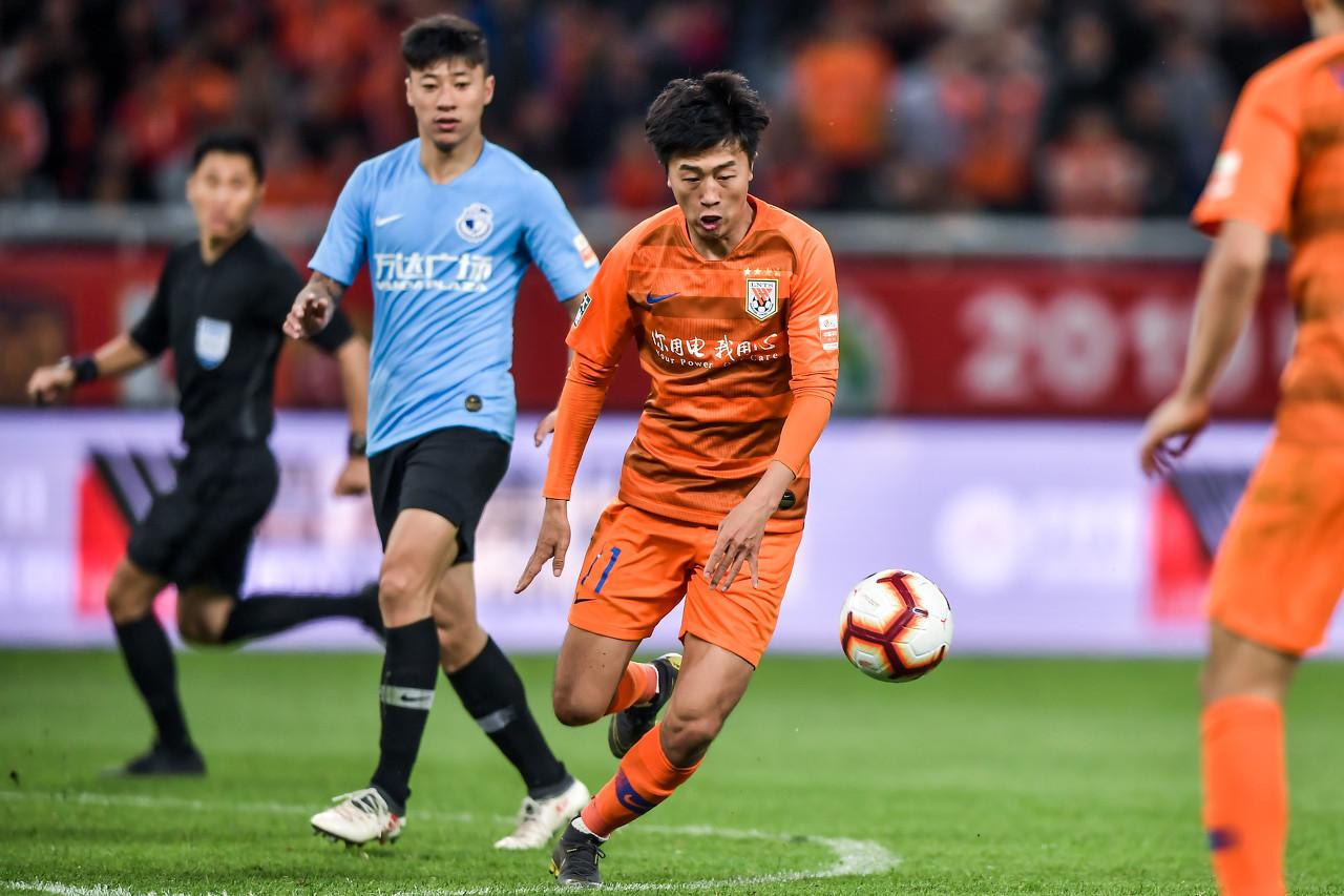 山东鲁能球员刘洋经过微博发文回应了球迷的批判  