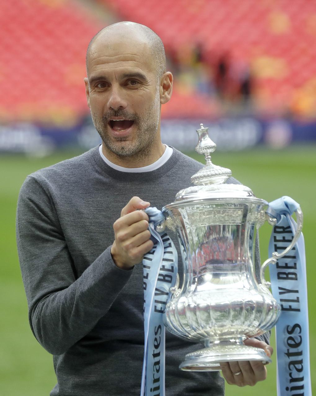 曼城老板拍下最陈旧足总杯奖杯,放置曼彻斯特博物馆以供展现