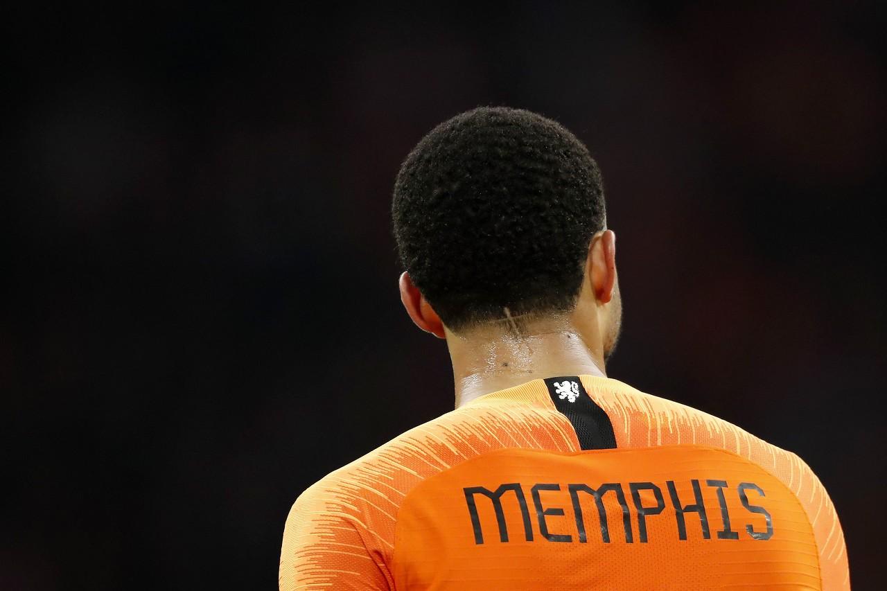 自2000年的德波尔之后,德佩是首位惯例时刻罚点被扑的荷兰队球员   