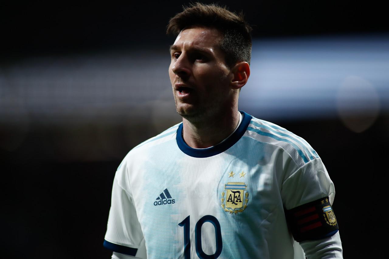 梅西在美洲杯上的红牌没必要 期望看他赢得世界杯 
