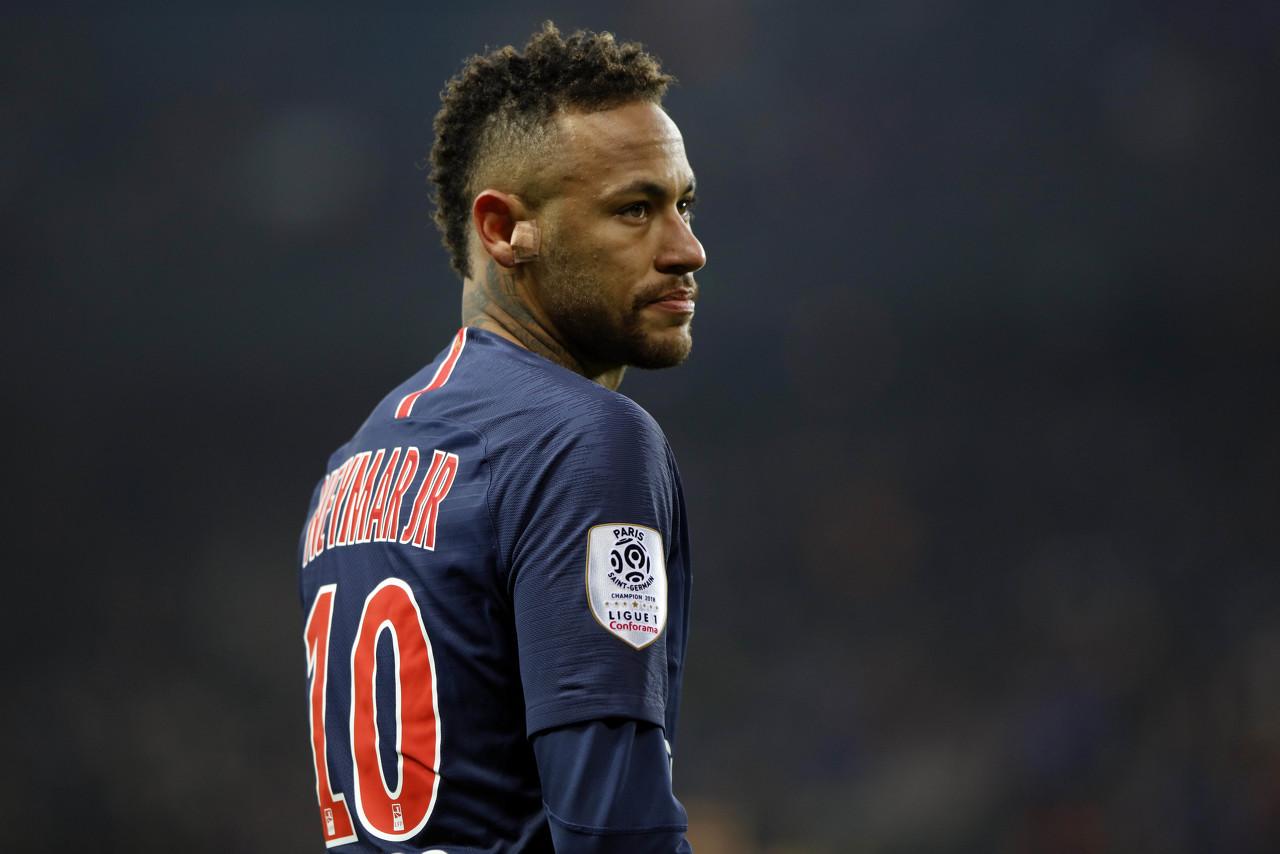 法媒:为让梅西加盟巴黎内马尔提议让出10号,但梅西并无此想法