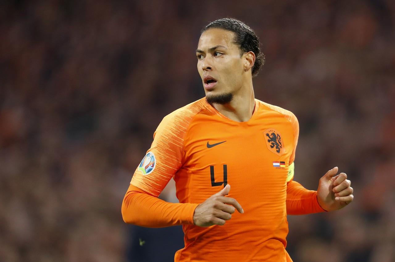 维纳尔杜姆:能当荷兰队长很棒,但我更希望是范迪克来戴袖标