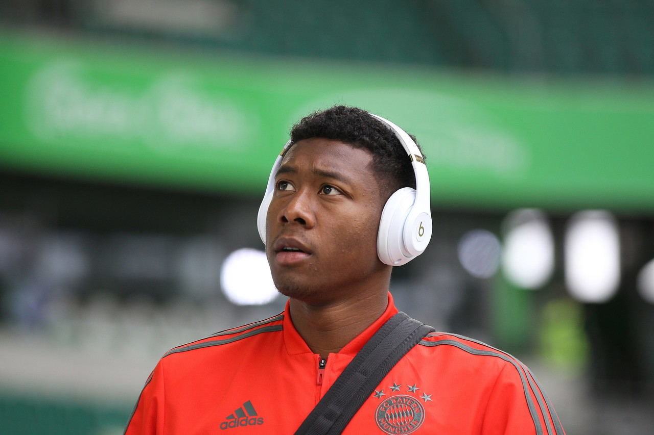 拜仁为阿拉巴提供了四年合同 年薪750万欧元并包括奖金 