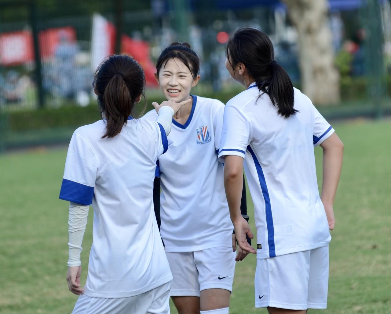 沪媒:6战全胜,申花女足夺得全国青少年学校足球联赛冠军