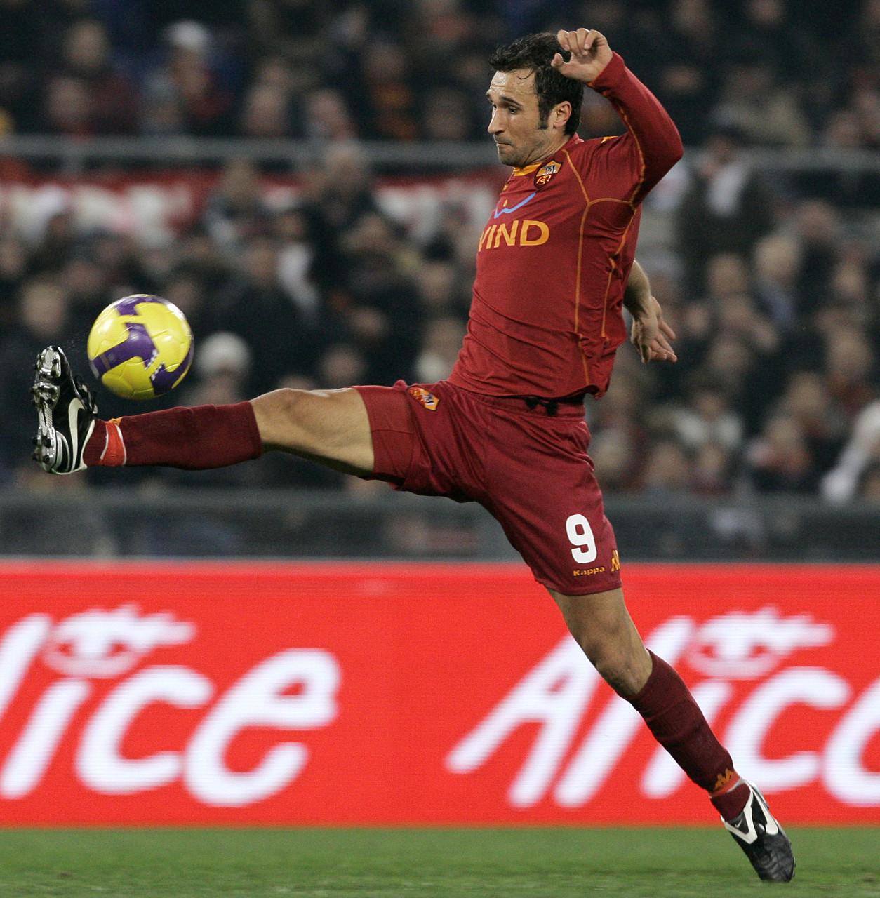 武齐尼奇回想罗马09-10赛季失冠:创伤将随同我一生