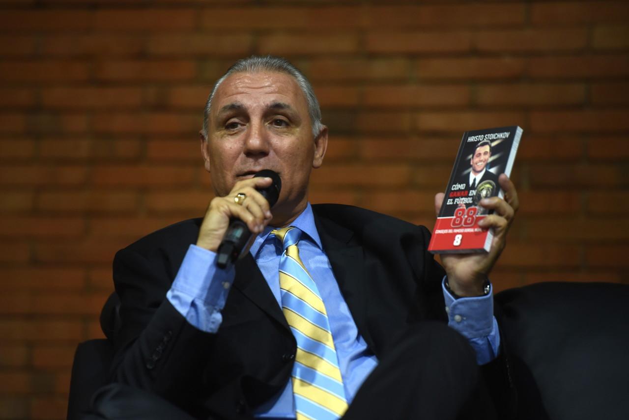 VAR裁判从不踢球,他们对甜瓜比对足球更感兴趣