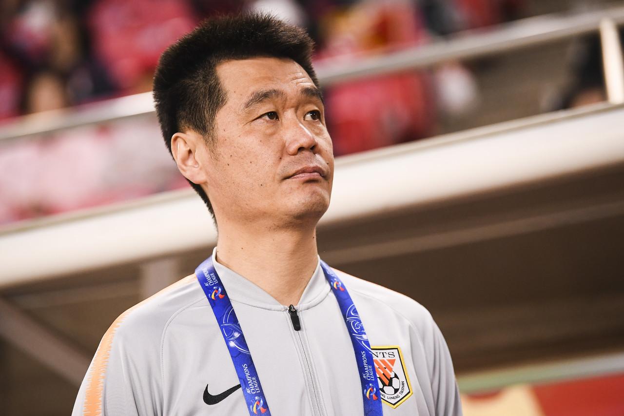 李霄鹏执教鲁能成果:98场54胜22平22负,胜率55.1% 