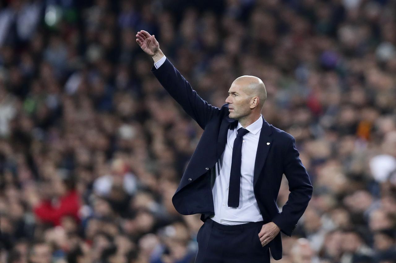 新赛季若夺西甲冠军,齐达内将是皇马32年来首位卫冕成功的教练 